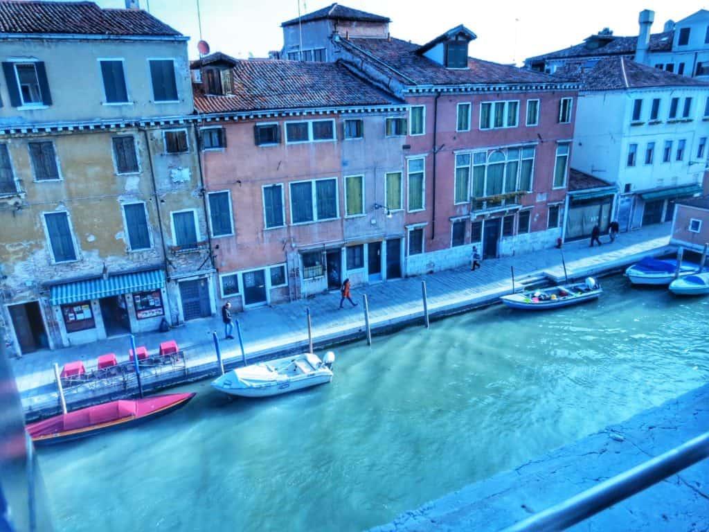 מבט מחלון מלון כשר ונציה