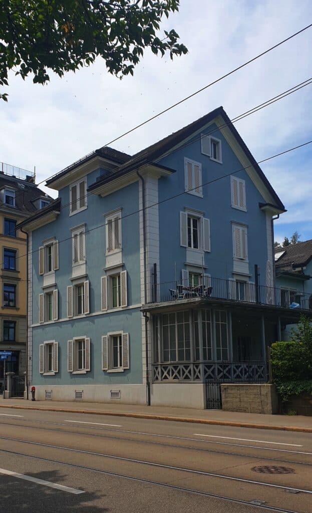 הבית הכחול מרכז ציריך